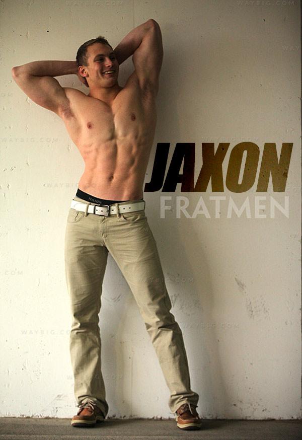 Jaxon (Up-Close) at Fratmen