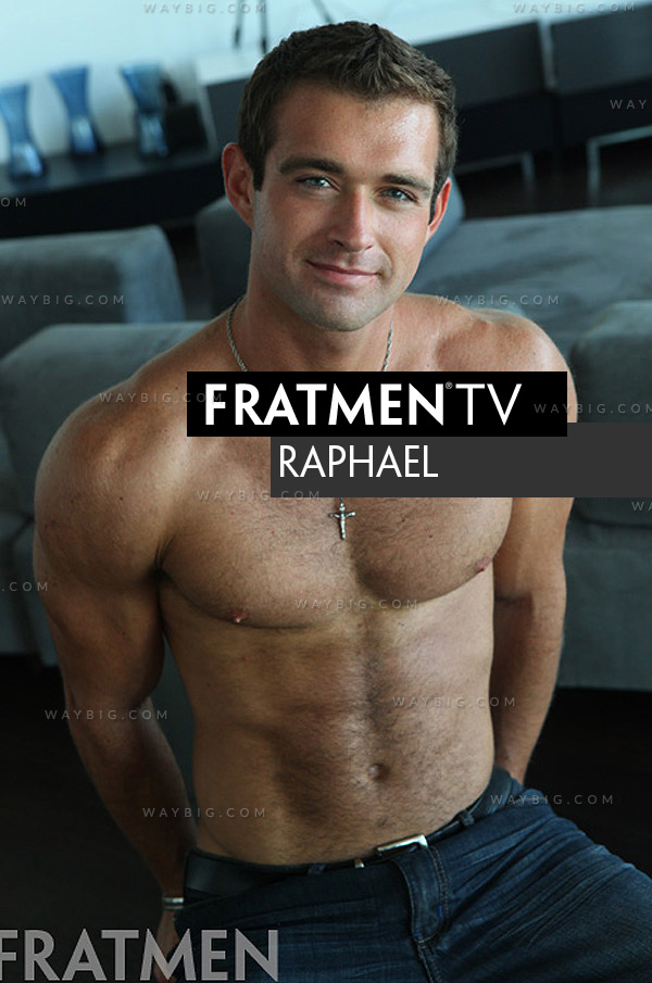 Raphael (Up-Close) at Fratmen.tv