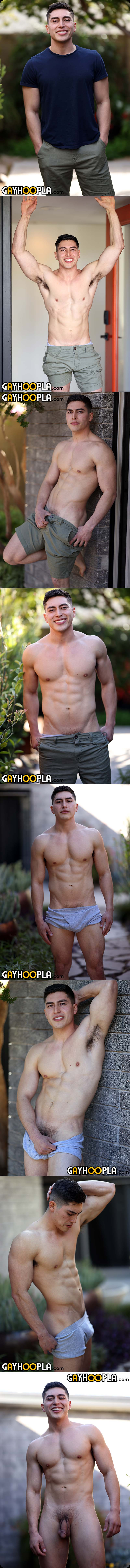 New STUD Kendrick Driver Fingers His Ass and Makes A Splash! at GayHoopla