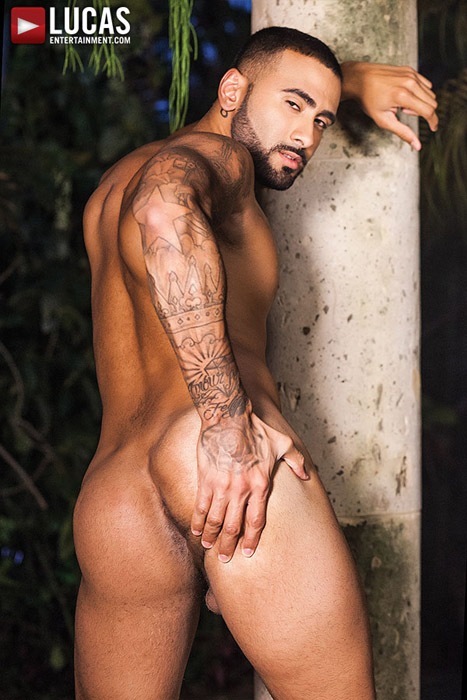 Hung As Fuck (Pedro Andreas Fucks Rikk York) (Bareback) (Scene 3) at LucasEntertainment