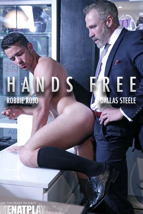 Hands Free (Dallas Steele Fucks Robbie Rojo) on MenAtPlay