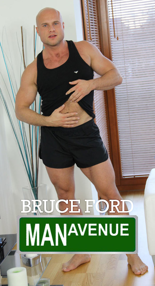 Bruce Ford (Mega Muscle Hunk Ass Show) at ManAvenue