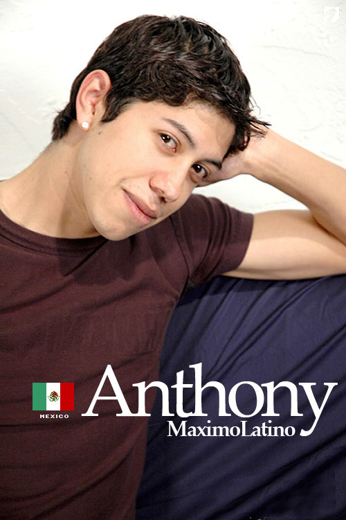 Anthony at MaximoLatino