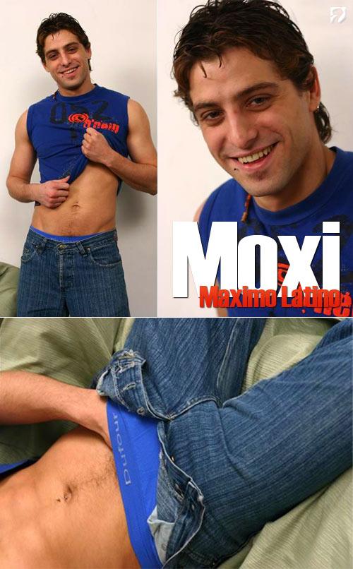 Moxi at MaximoLatino