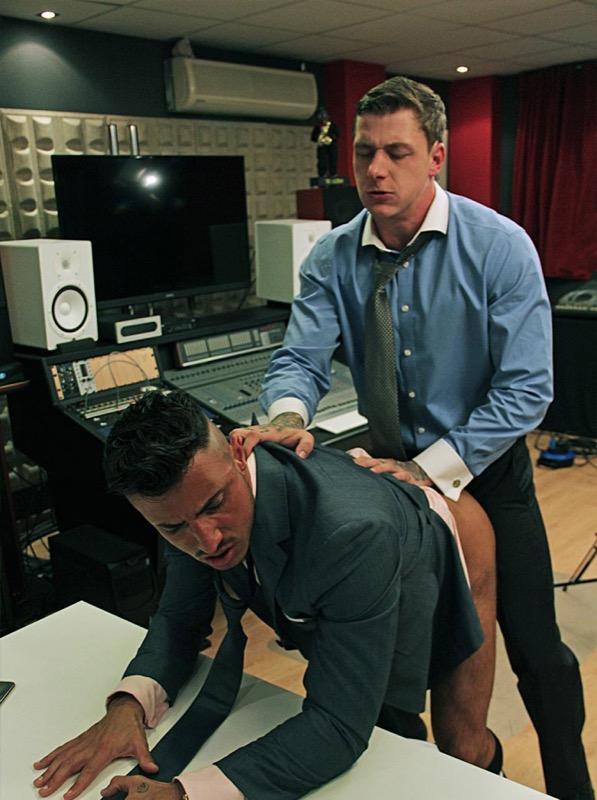 XLingo (starring Klein Kerr and Geordie Jackson) on MenAtPlay