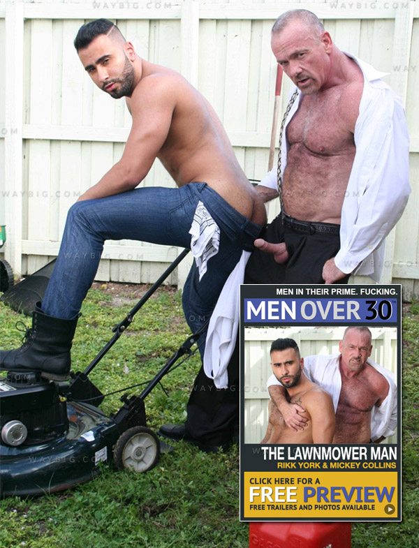 The Lawnmower Man (Rikk York & Mickey Collins) at MenOver30