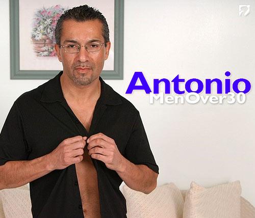 Antonio at MenOver30