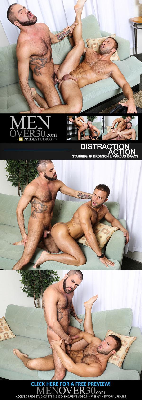 Distraction Action (JR Bronson & Marcus Isaacs) at MenOver30