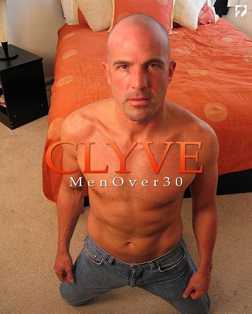 Clyve at MenOver30
