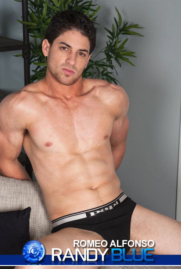 Romeo Alfonso (Solo) at RandyBlue